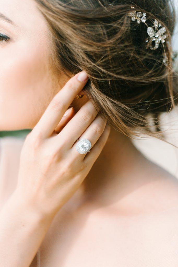 Wedding_Bride_Engagementring_Ring_Verlobungsring_Hochzeitsplaner_Weddingplanner_Luxus_Luxury_MomentsbyDiane_München