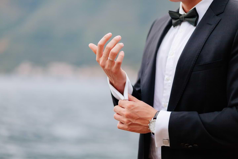 Ring des Bräutigams auf einer Hochzeit